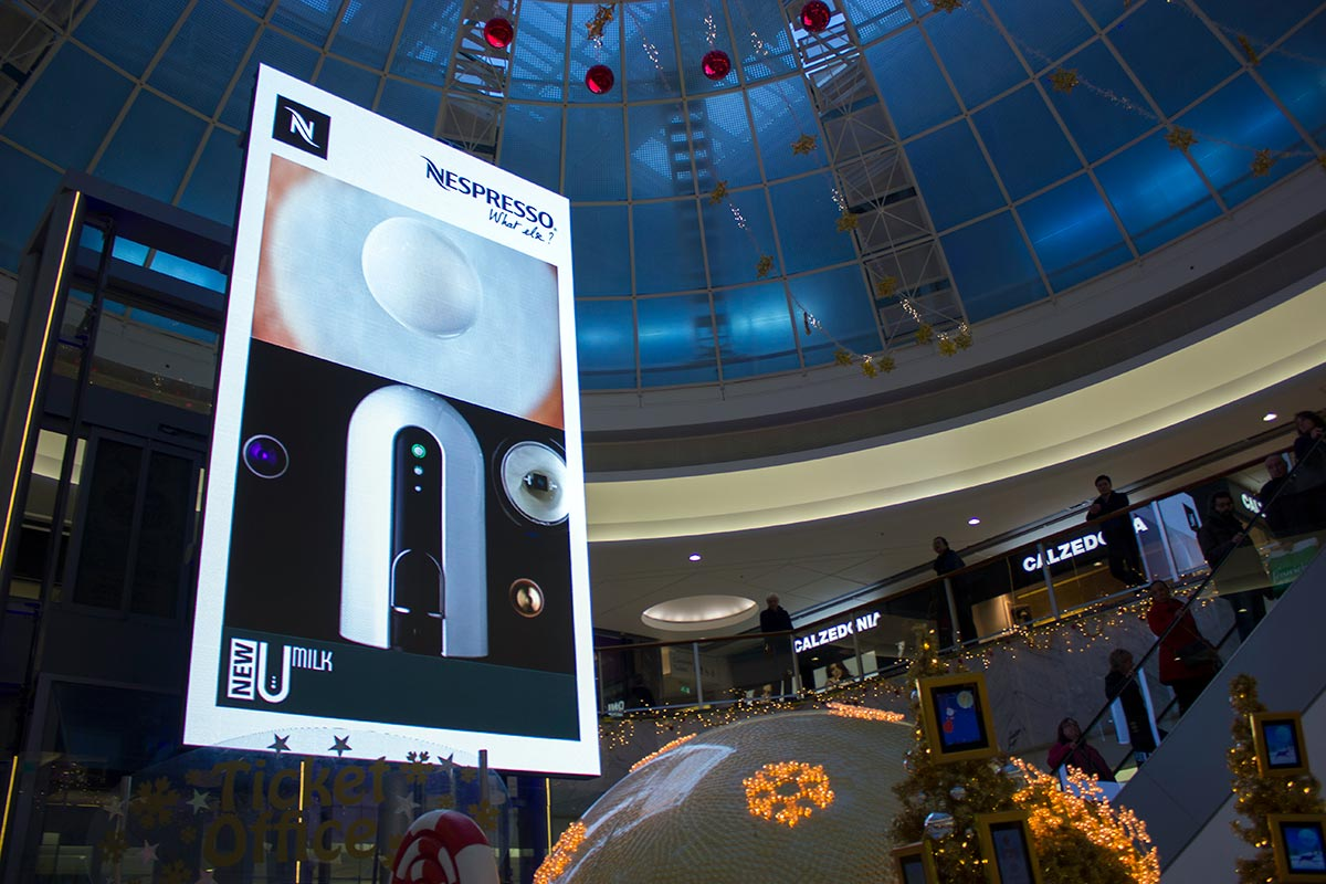 Brent-Cross-Shopping-Centre-Indoor-Large-LED-Screen-Install