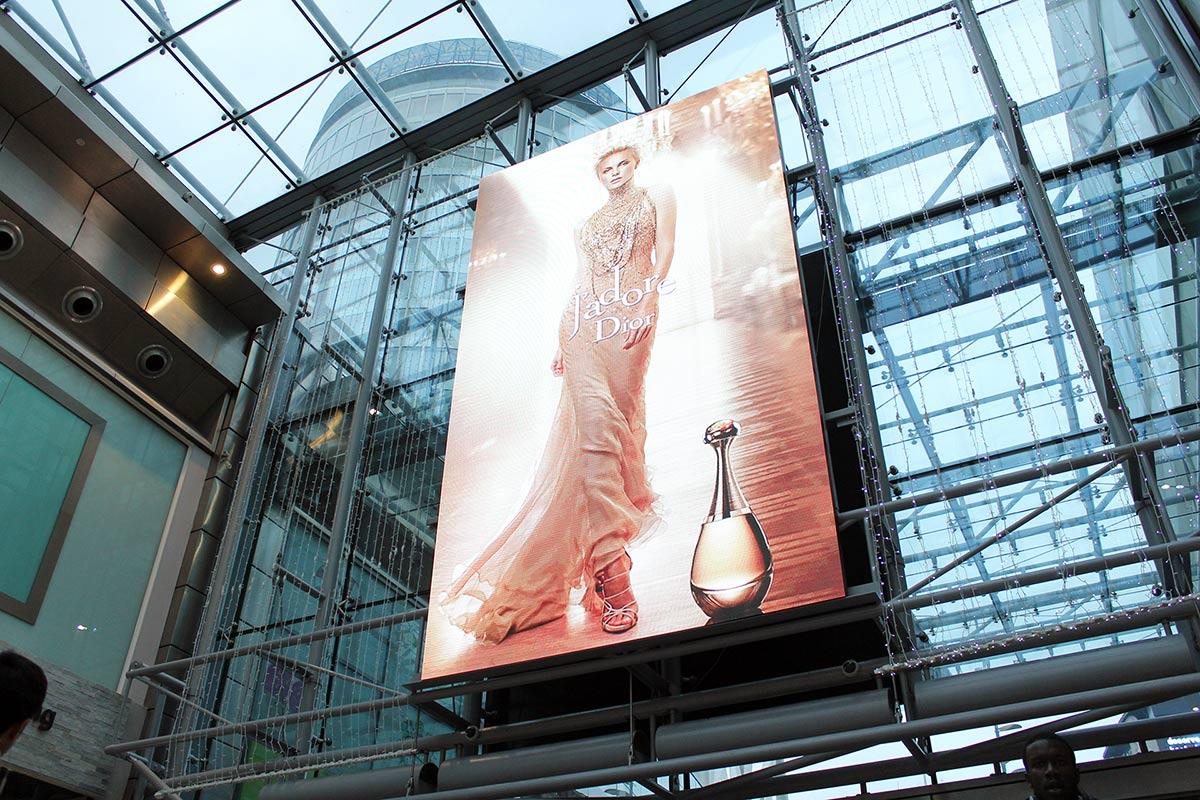 Bullring-Birmingham-Indoor-LED-Screen