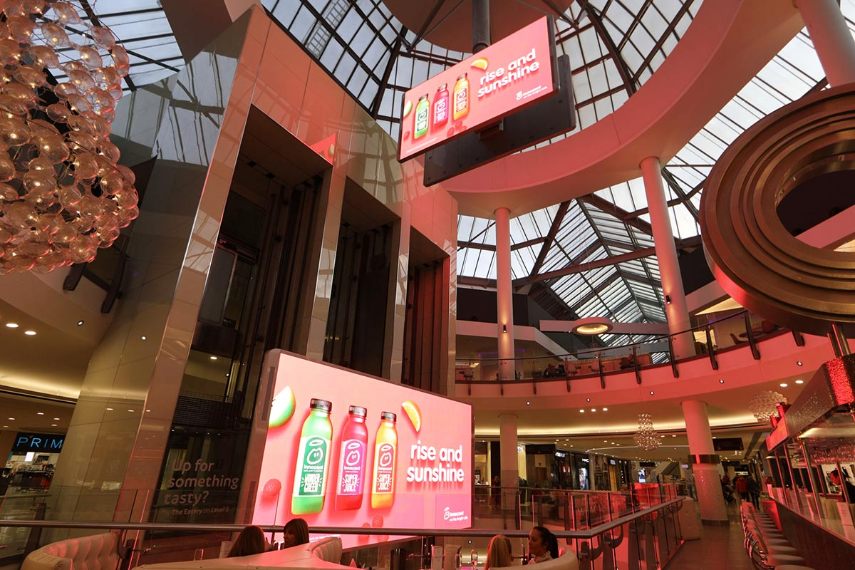 Lakeside-Epoch-Indoor-Rotating-Screens