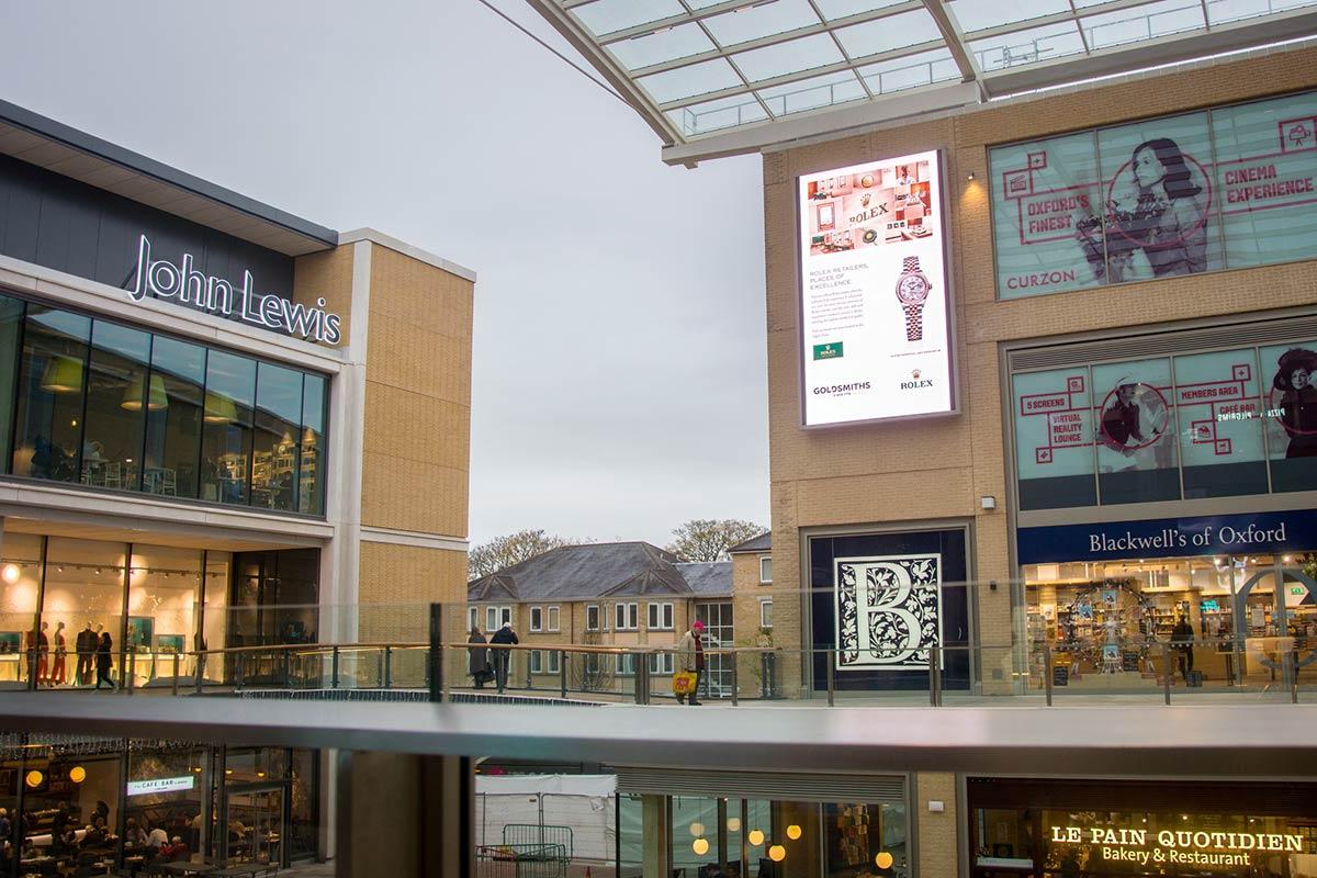Oxford-Westgate-Shopping-Centre-DOOH-Outdoor-Screen