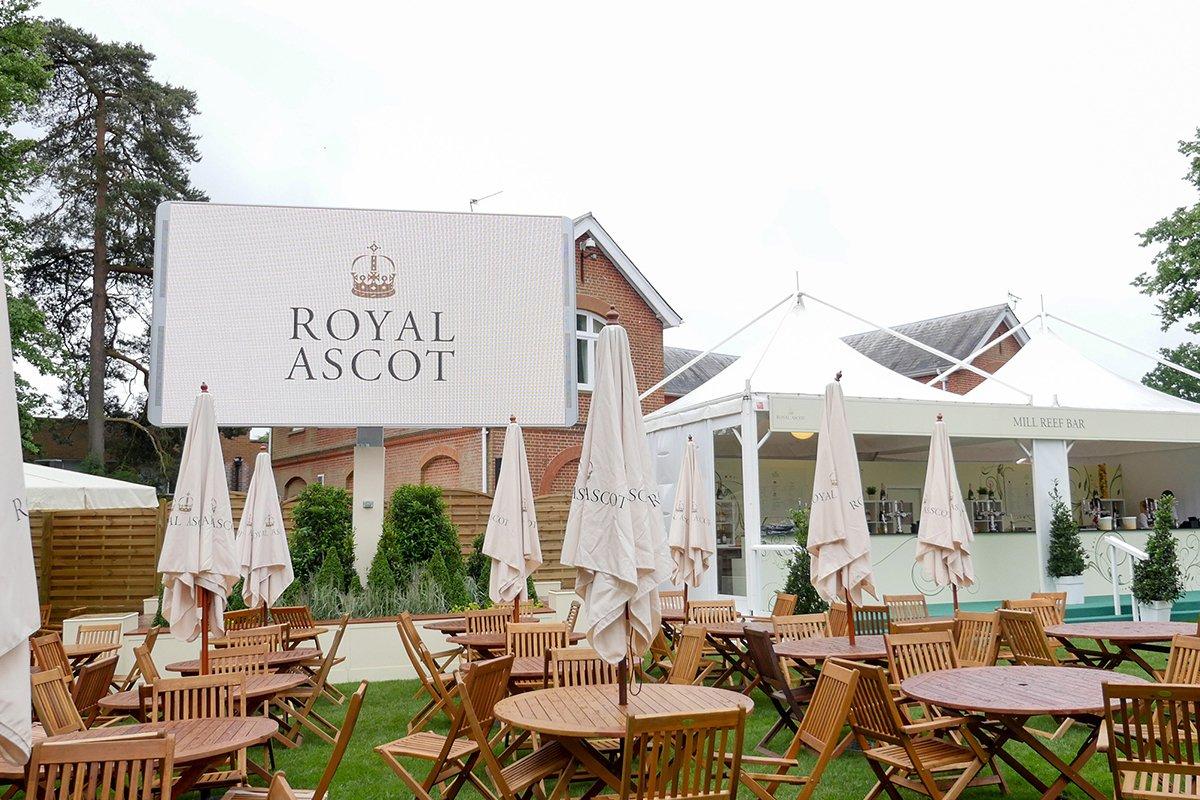Royal Ascot - Epoch Skid, dressed