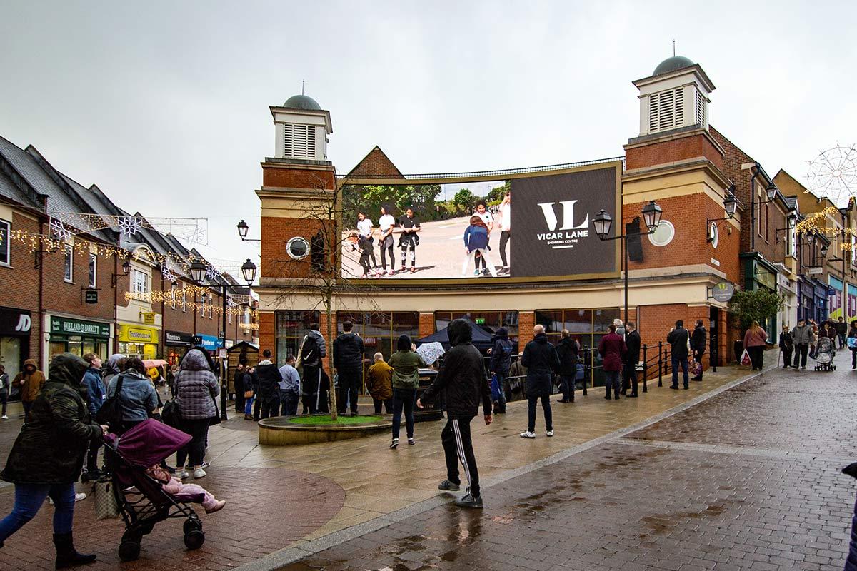 VicarLane-ShoppingCentre-Large-Outdoor-LED-Screen