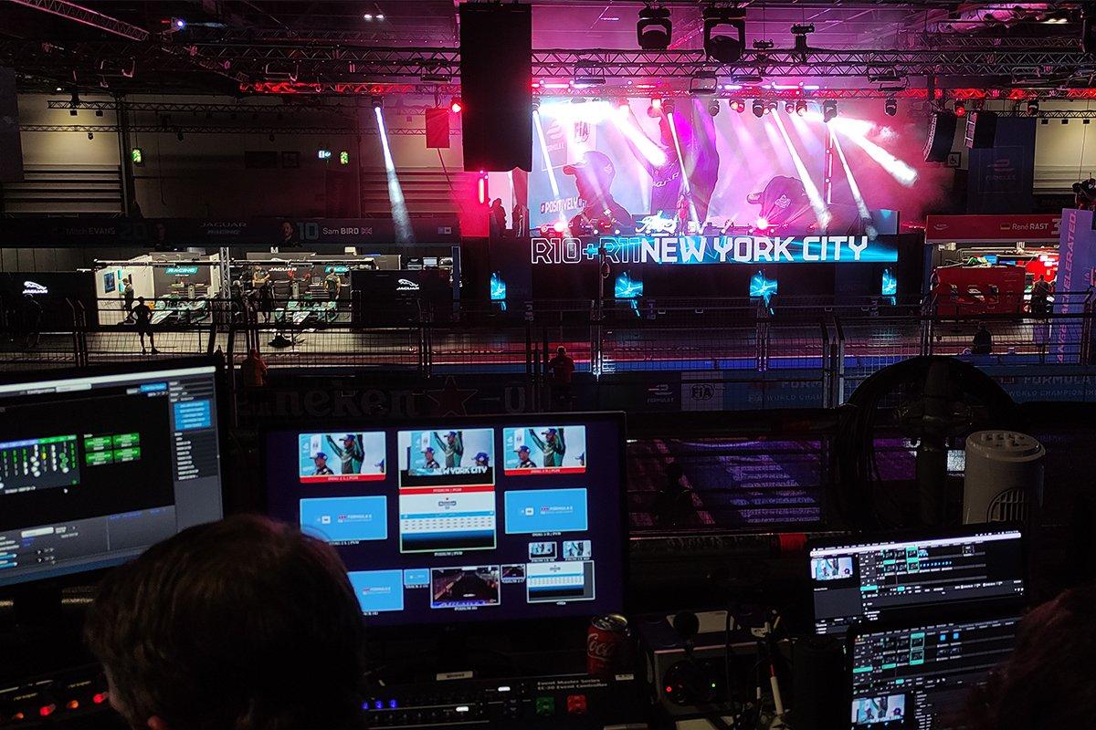 FE London - modular podium and live operation